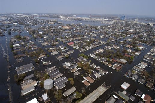 katrina_made_landfall_on_the_gulf_coast_many_parts_of_new_orleans_remain_flooded